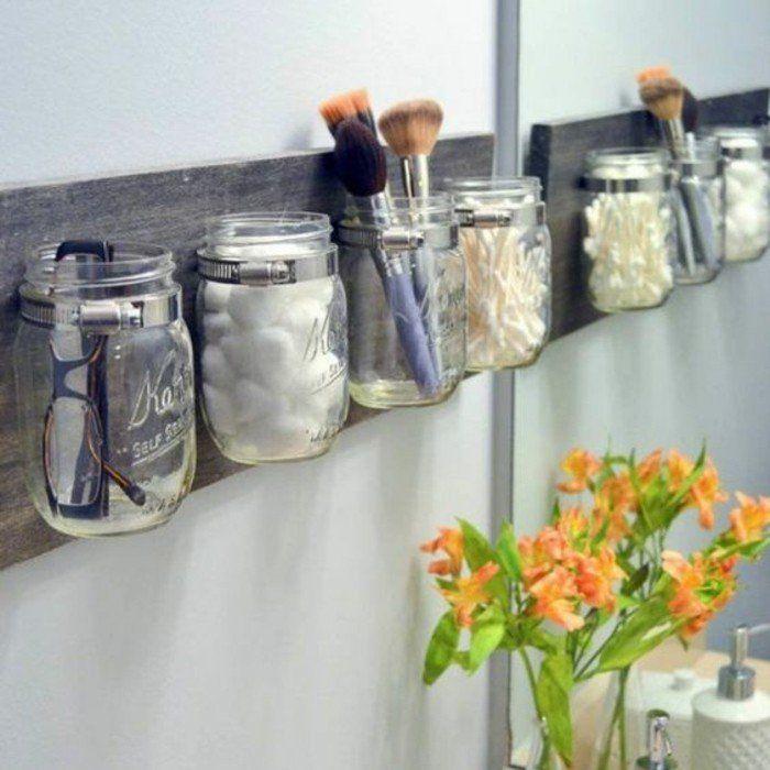 decoration bocal en verre, accessoire de bain, pinceau maquillage, bourgeons de coton