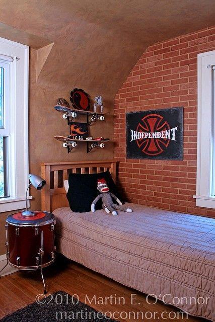 Skateboard Rooms teen boy room - drum nightstand - skateboard shelves   cj