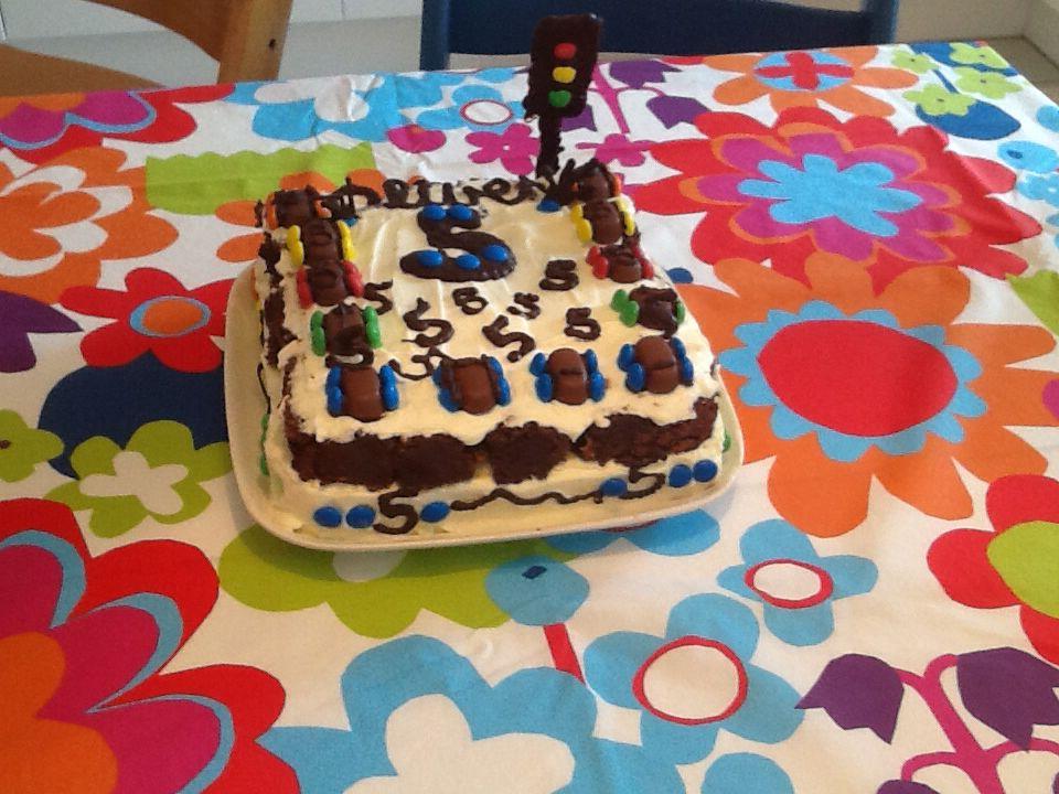 Car cake 5 years...