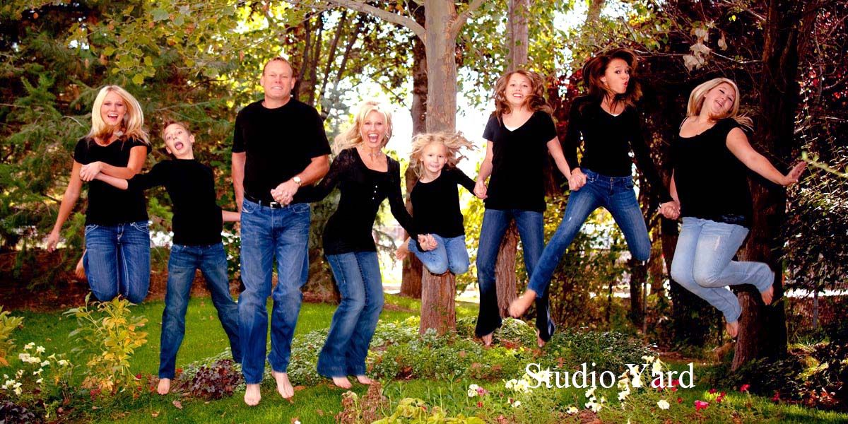 Gallery for outside family picture pose ideas