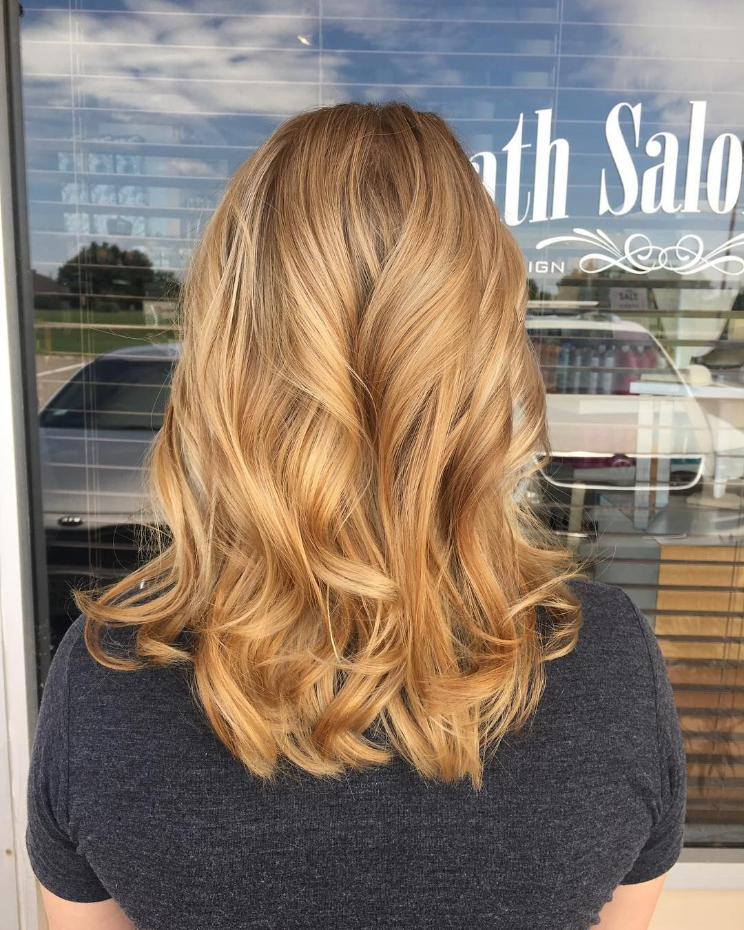 Long Wavy Honey Blonde Balayage Highlights Strawberry Blonde Hair