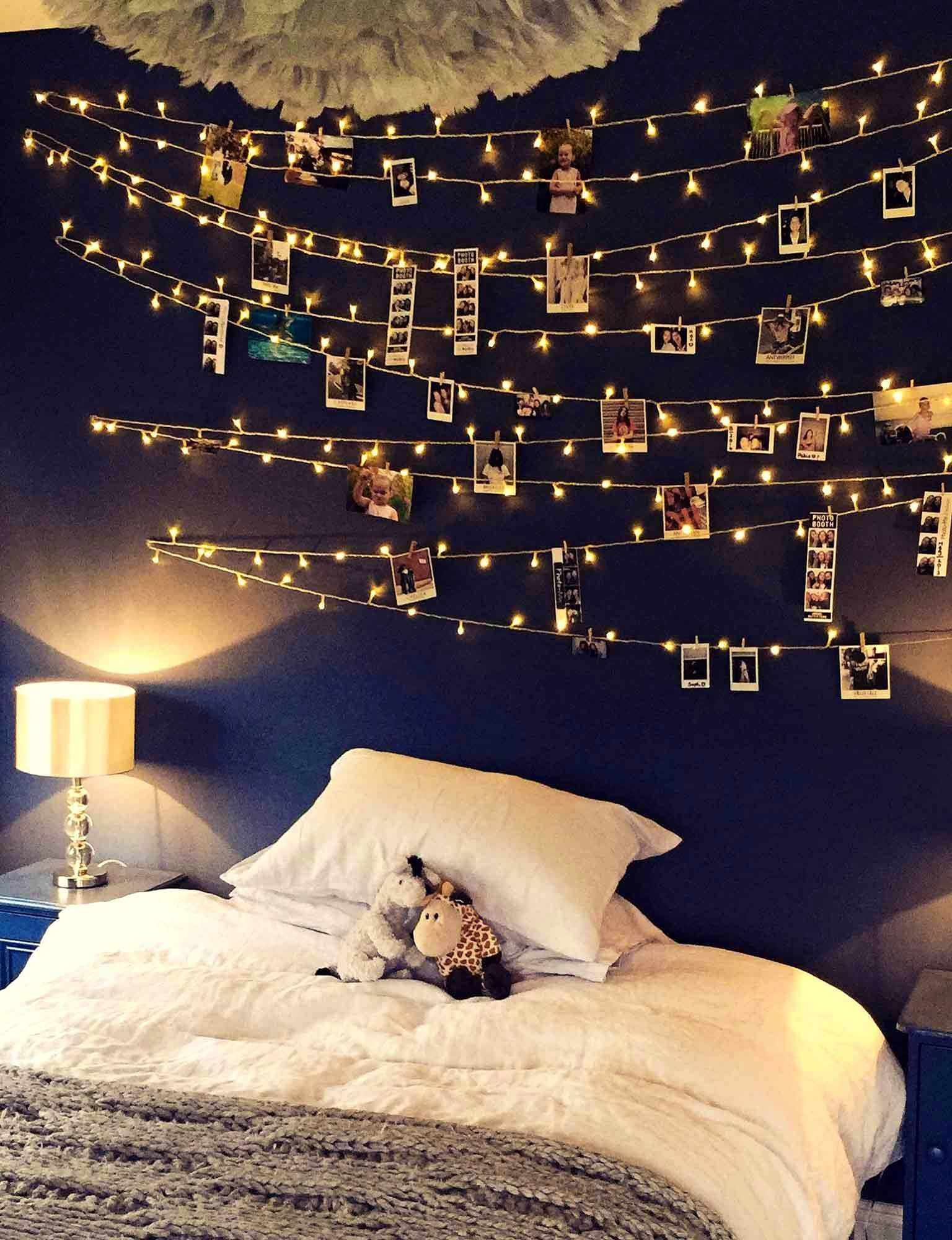 35+ Amazing Christmas Light Bedroom Decoration Ideas images