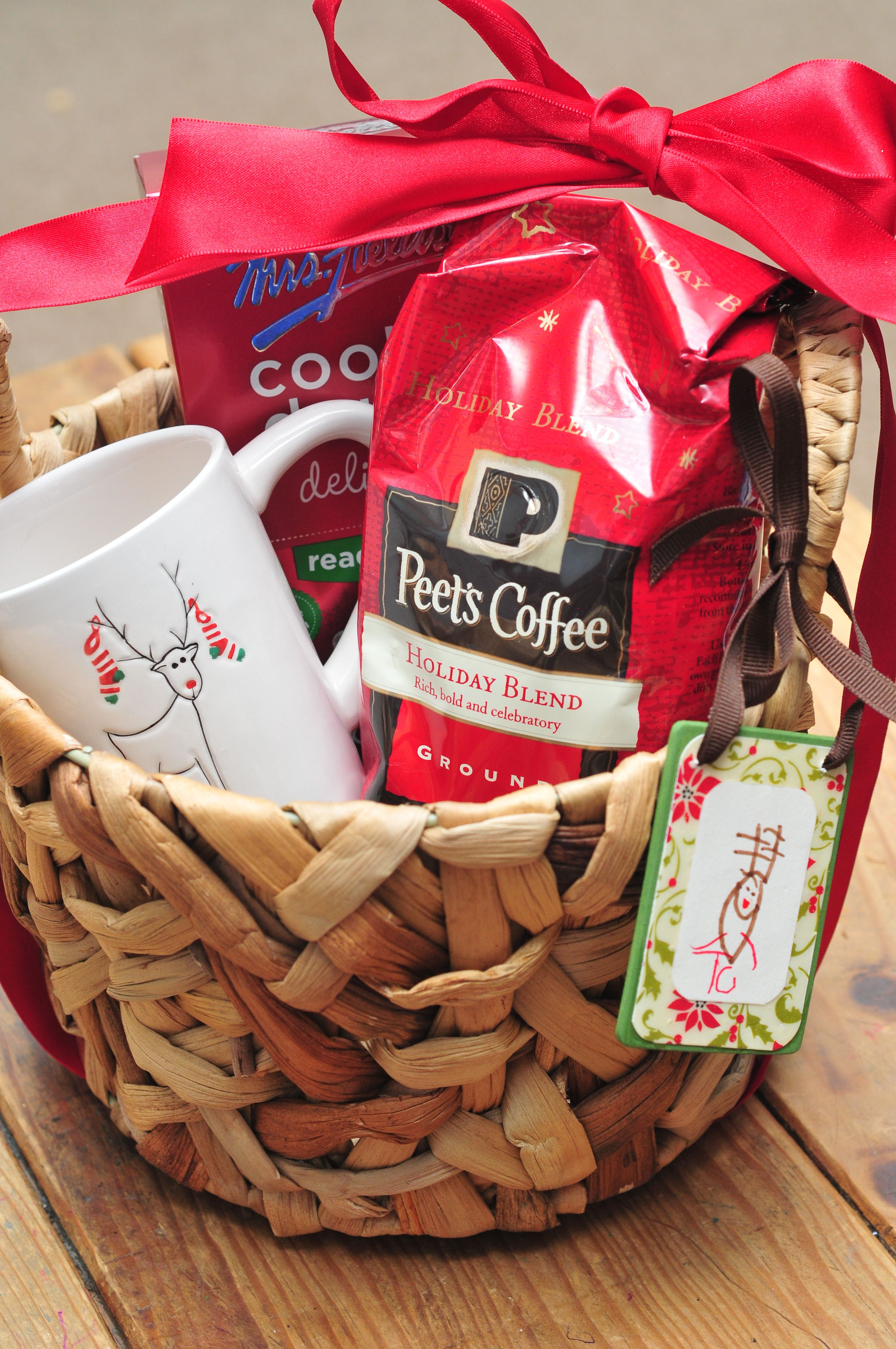 An Easy Gift Idea With Peet S Coffee Holiday Blend 75 Gift Card Giveaway Peetscoffee Cbias Sippy Cup Mom Holiday Blend Coffee Basket Coffee Party