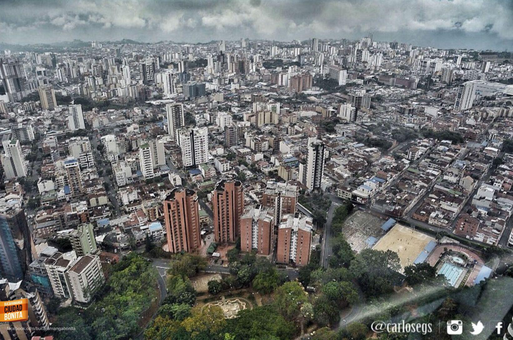 Bucaramanga, qué hermosa eres !!!! Gracias @carlosegs por la foto #bucaramangabonita