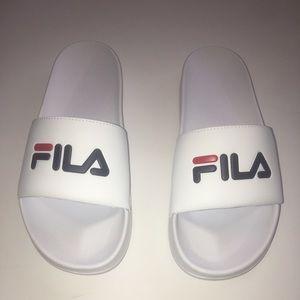 Fila White Red Blue Slides NWOT Size 11