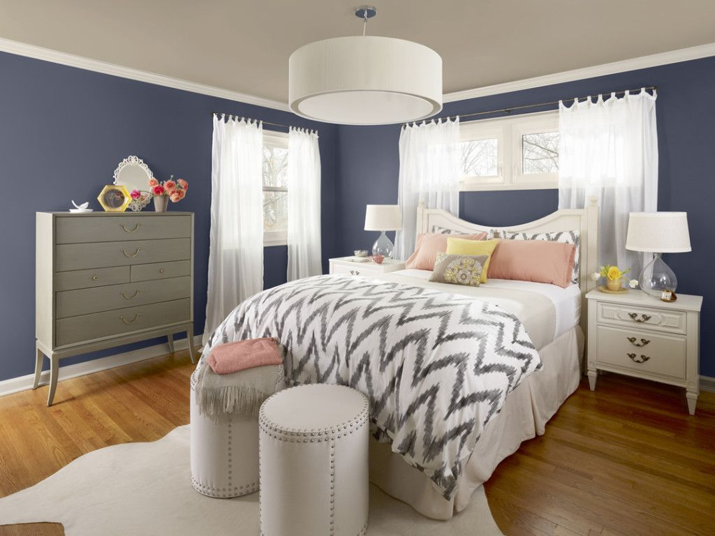 Navy blue bedroom colors - Find Another Beautiful Images Attic Bedroom With Navy Blue On Walls And Wooden Floor Pattern Ideas