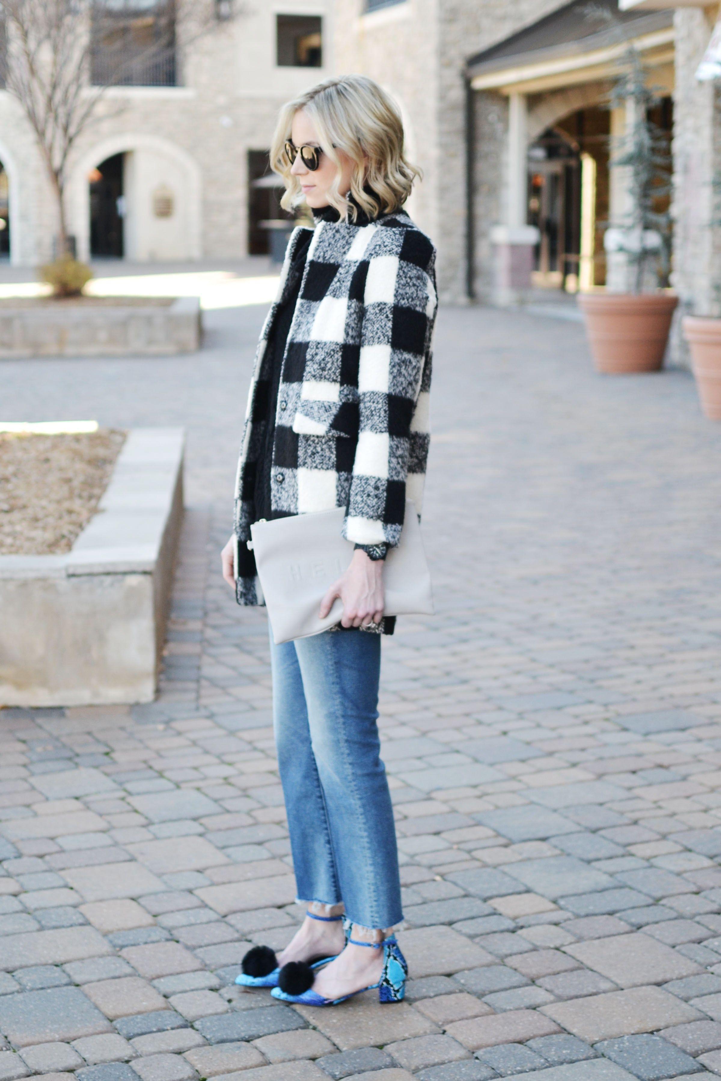 9381baf8cf70 Goodnight Macaroon black and white plaid coat and black sweater