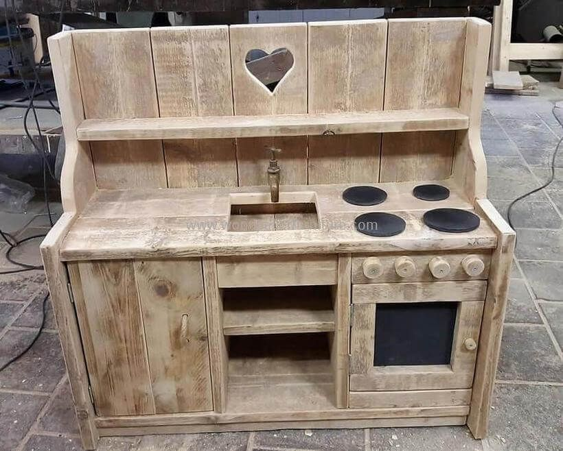 Pallets Wooden Kids Mud Kitchen Mud Kitchen For Kids Wood Pallet Projects Mud Kitchen
