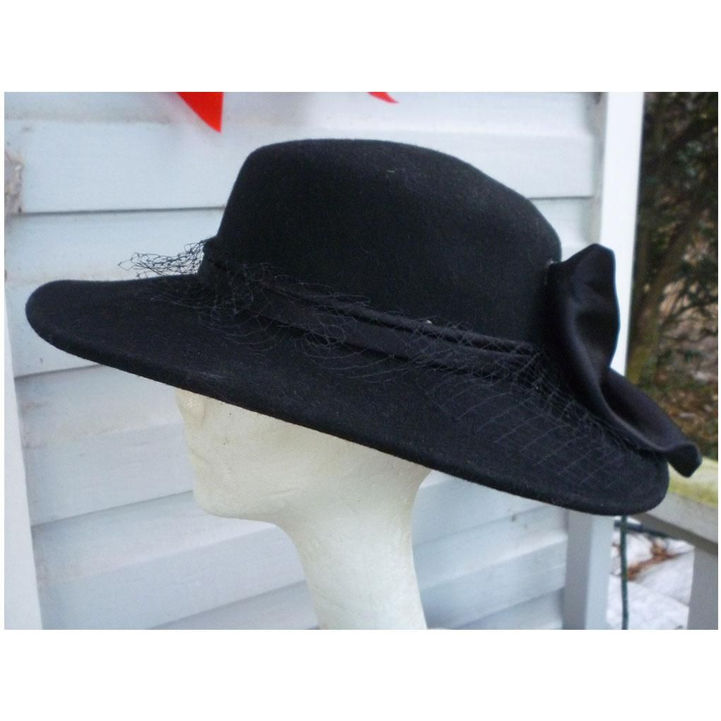 Vintage Black Wool Hat Satin Band and Large Bow Georgi Label Sensational  black wool brimmed hat with a round crown classically trimmed with a black f33381a9261