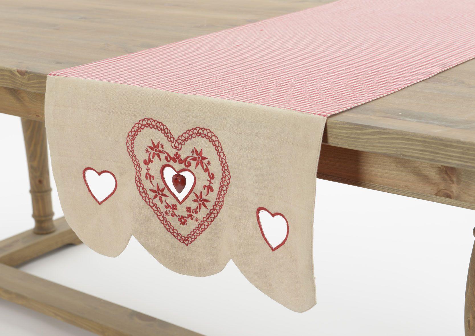 Camino de mesa coeur d'amour