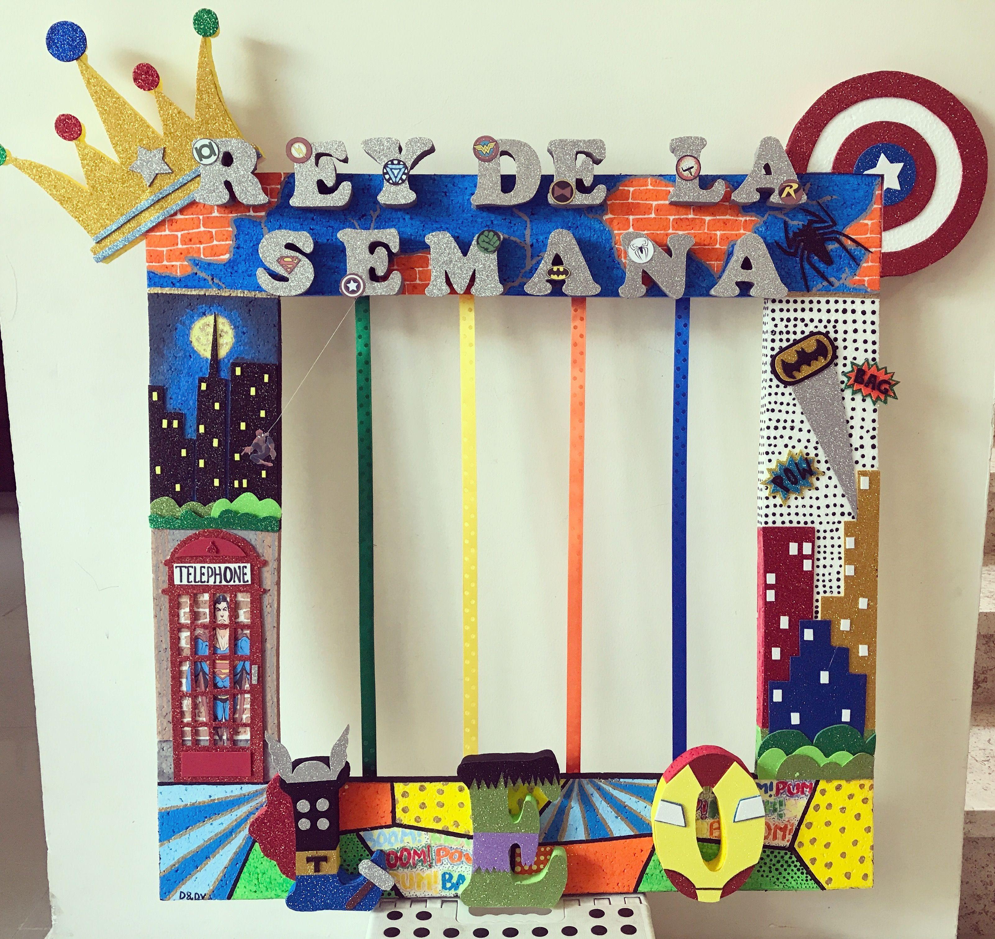 Marco decorado de superheroes para el Rey de la semana en #kindergym ...