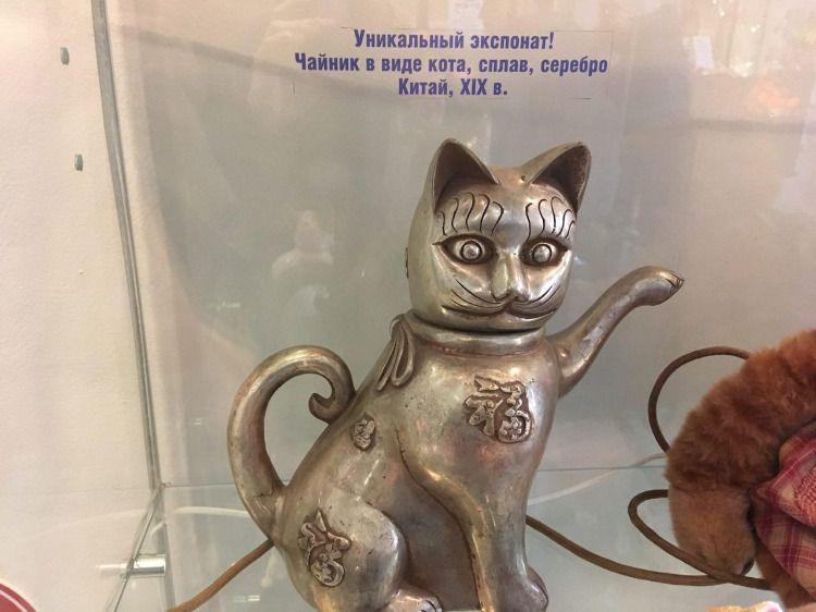 Чайник в виде кота из Музея кошек Мурариум