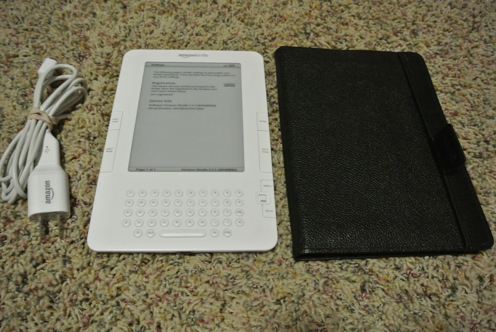 Amazon Kindle Reader D00701 w/ Case & Charger Bundle Very Nice Working Cosmetic  #Amazon