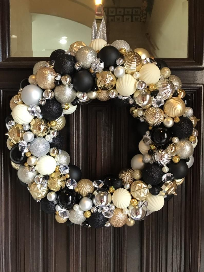 Beautiful Black Silver Gold And Cream Glam Ornament Wreath Christmas Wreath Bauble Wreath With Pearls Jewels Bells Holiday Decor Black Gold Christmas Black White And Gold Christmas Glam Christmas Decor