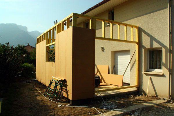 Ossature d 39 une extension bois grenoble jardin verandas extensions et house for Construction bois 93