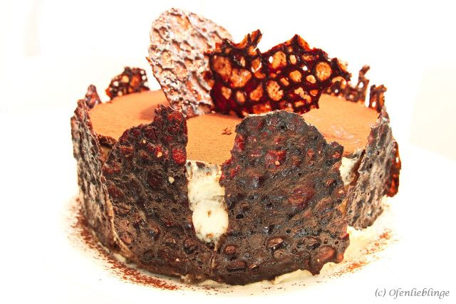 Amaretto Schokoladen Tortchen A La Annik Wecker Das Machtig Eindruck Macht Torte Ohne Backen Schokoladen Torte Lebensmittel Essen