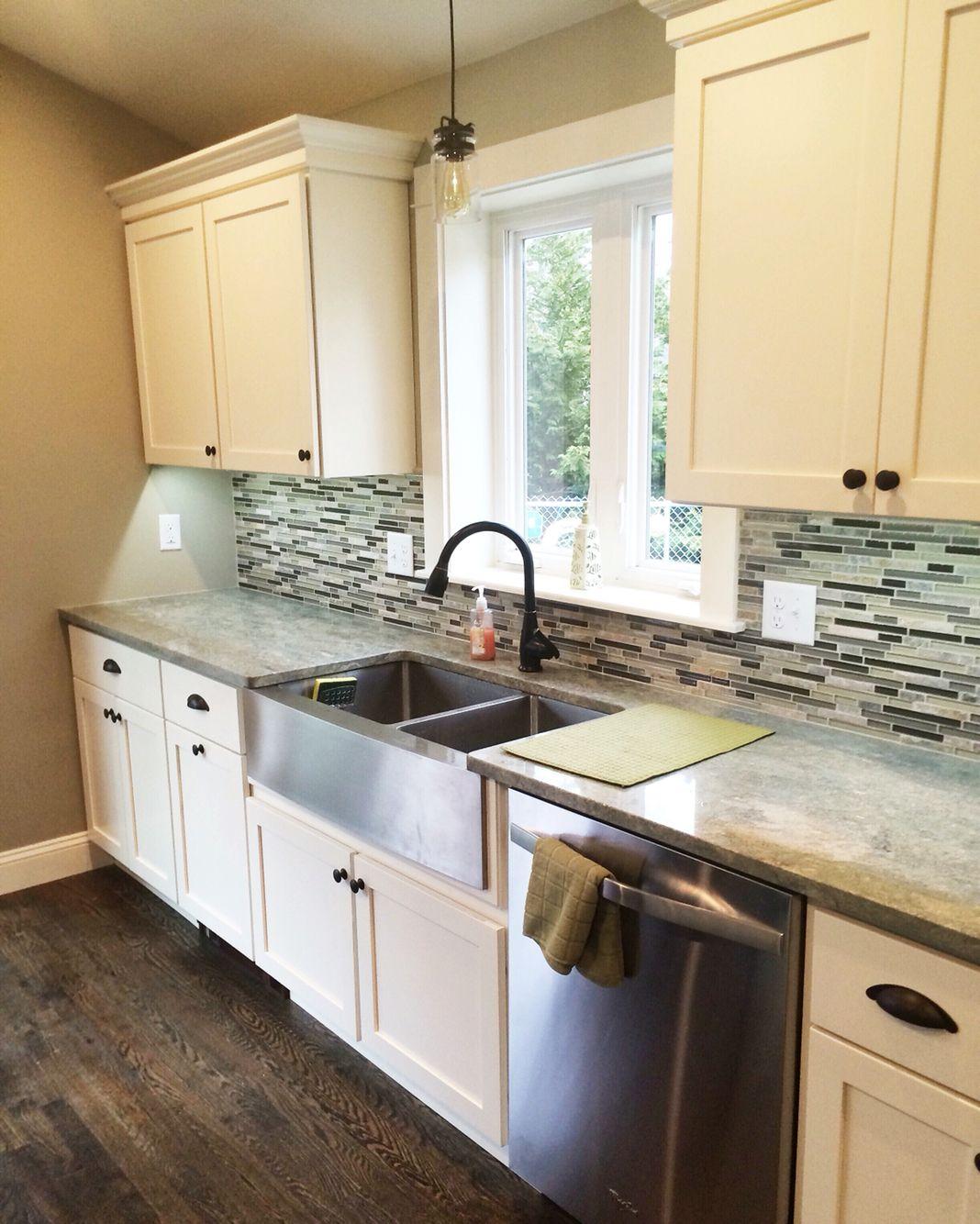Best Eastman St Woodworks White Kitchen Door Style Is Tahoe 400 x 300