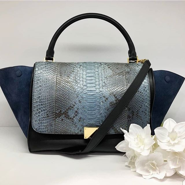 2800 wire. Preloved Celine Trapeze Dark Blue Smooth