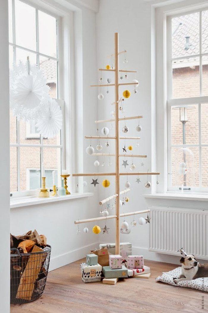 skandinavischer Weihnachtsbaum aus Holz - minimalistisch
