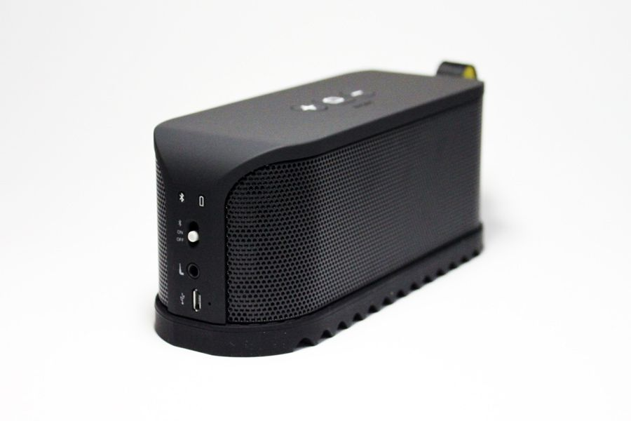 Iphoneからバッテリー残量を確認可能 コンパクトで高音質なワイヤレス スピーカー Jabra Solemate In Store Now Iphone ワイヤレススピーカー スピーカー コンパクト