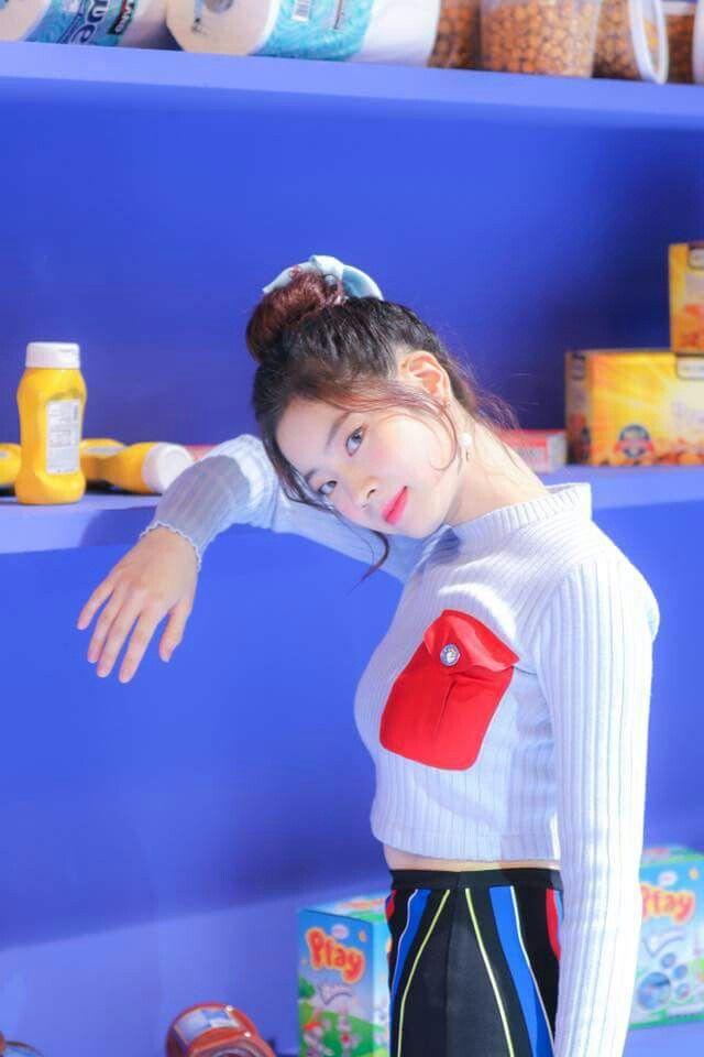 "TWICE -""Heart Shaker"" M/V BEHIND #Dahyun"