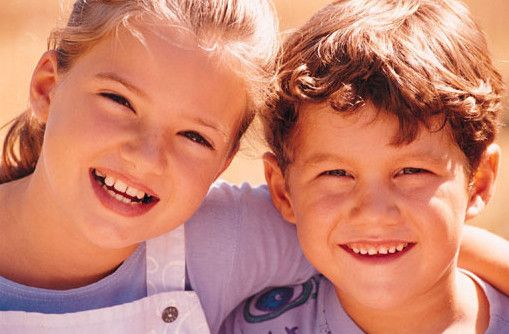 Escuelas primarias ¡Cada niño una luz! - Implementamos proyectos integrales con los padres y maestros realizando adecuaciones curriculares y utilizando el tratamiento de neurofeedback.    Albergues para niños de la calle - ¡Encauzando jóvenes y niños de la calle hacia un futuro productivo!