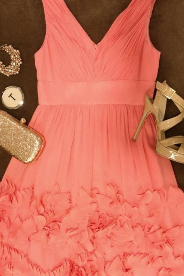 Coral red dress accessories
