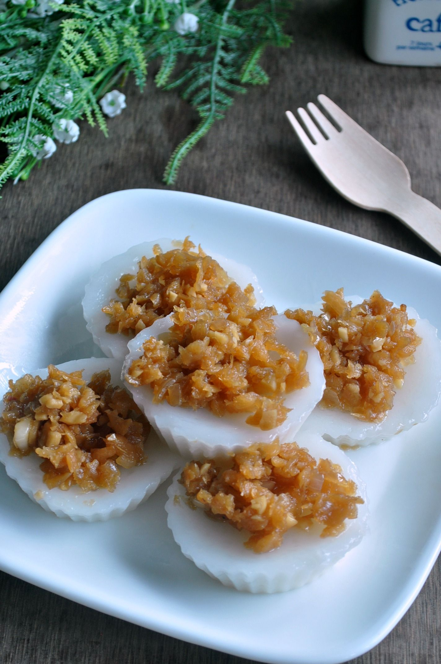 Chwee Kueh Steamed Rice Cakes Wiith Preserved Radish 水粿