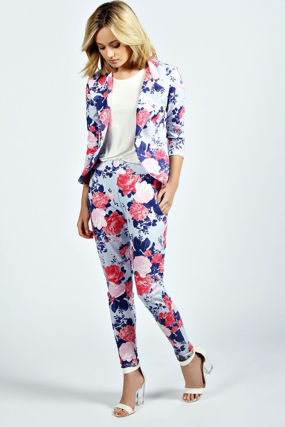 b5922933872e6 Lola Floral Blazer And Trouser Suit at boohoo.com | DΛT LOOK THO ...