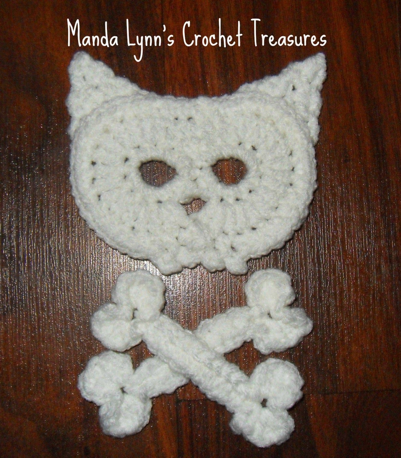 Kitty Skull n Bones Applique Need/Need to Know H hook Red Heart with ...