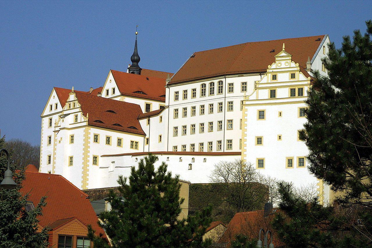 Liste Von Burgen Und Schlossern In Sachsen Herberge Burgen Und Schlosser Schlosser In England