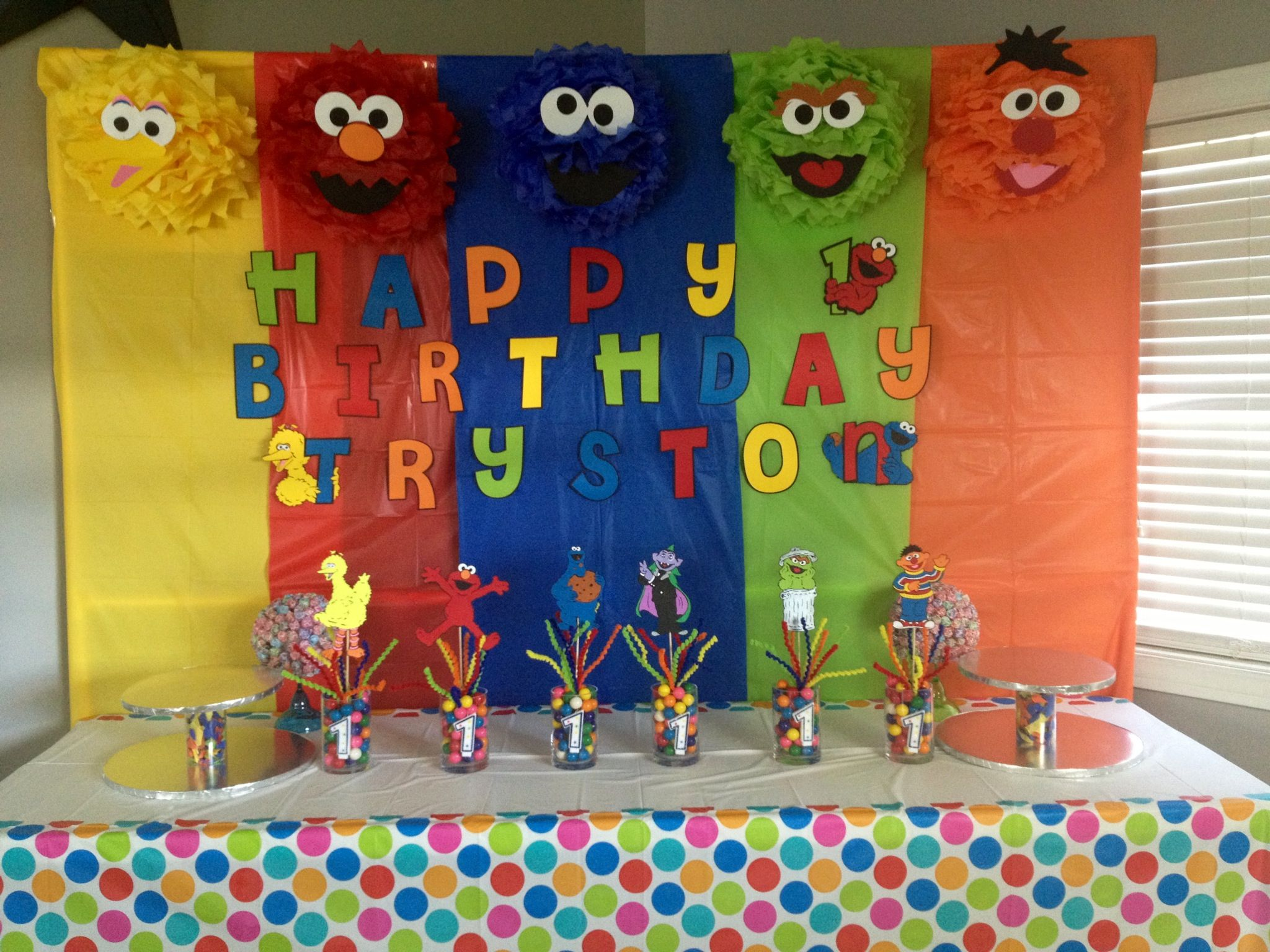 Sesame Street backdrop and centerpieces My cricut creations