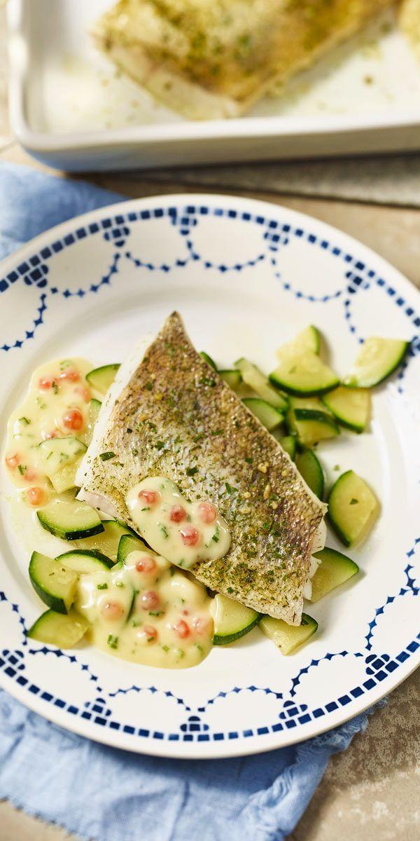 Dieses Zanderfilet ist echt leicht zu machen. Zusammen mit dem Zucchini-Gemüse ein tolles Abendessen.