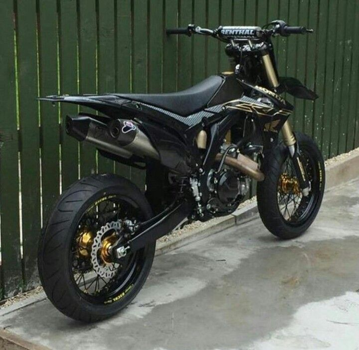 Shared By Motorcycle Clothing Two Up Bikes Www Twoupbikes Co Uk Motorcycleclothing Rayven Rayvenclothing Moto Black Honda Honda Supermoto Motorcross Bike
