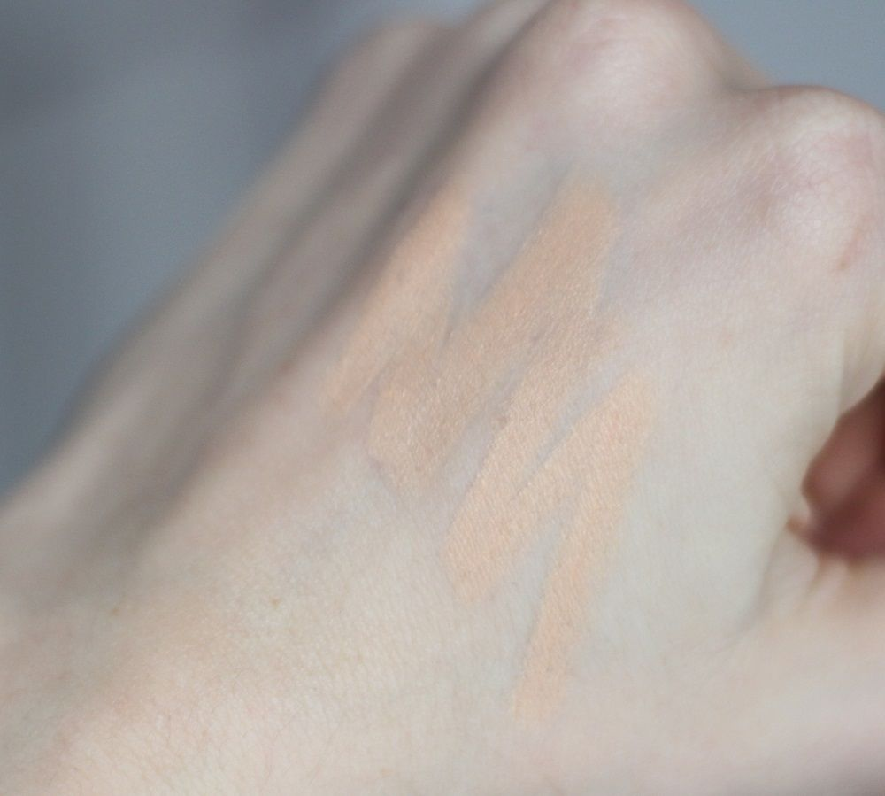 bareMinerals Blemish Remedy Concealer Swatch