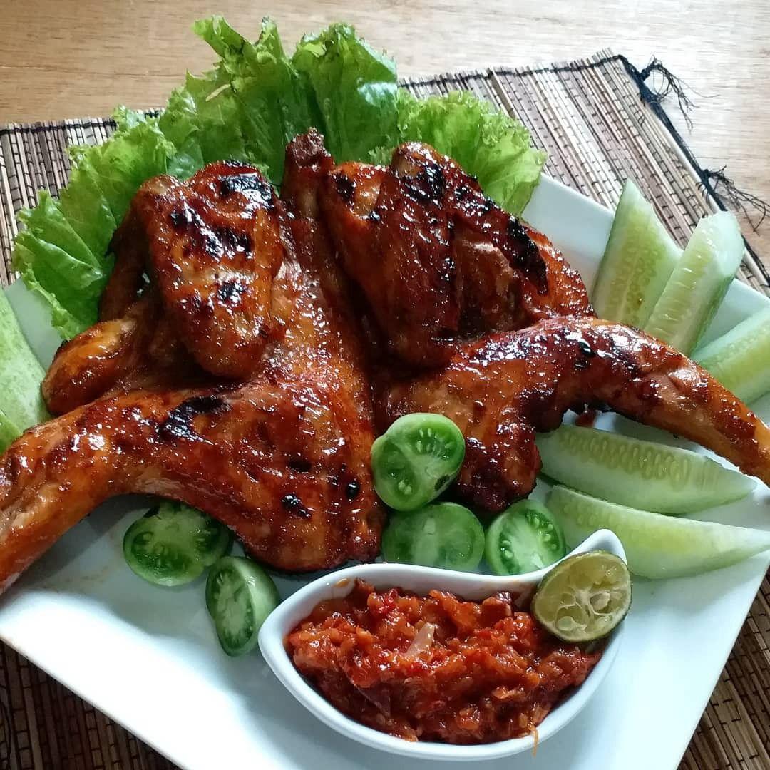 Resep Ayam Bakar Kecap Bumbu Meresap Dan Nendang Resep Di 2020 Resep Ayam Ayam Panggang Resep Masakan Indonesia