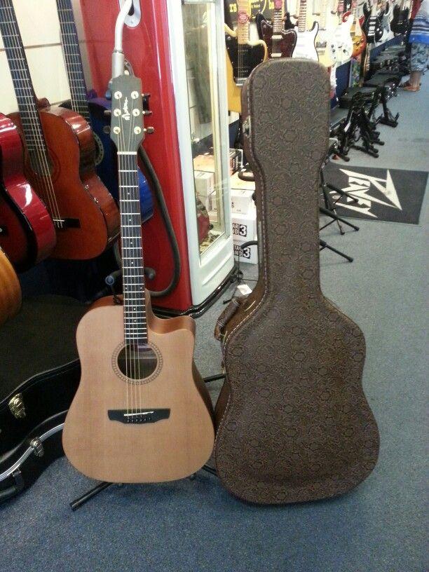 Martinez Acoustic Guitar With Paisley Hardcase For Only 499 Guitar Bass Guitar Acoustic Guitar