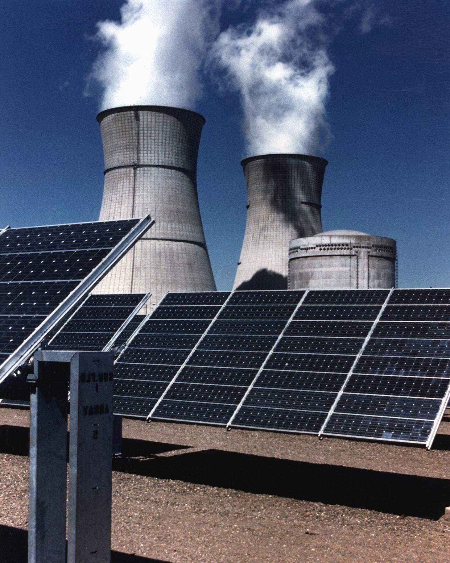 Solar Energy Panels Savetheplanet Solar Energy Panels Renewable Solar Solar Panels