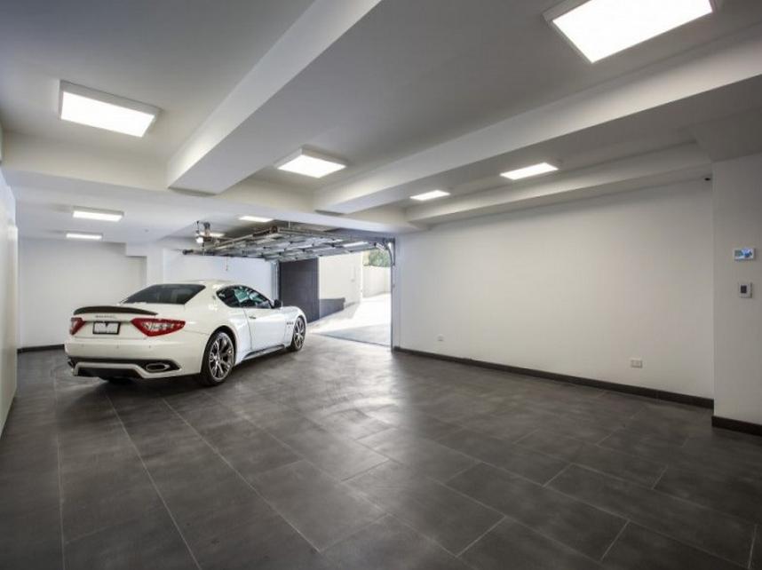 4 Car Subterranean Garage Contemporary House Garage House Underground Garage