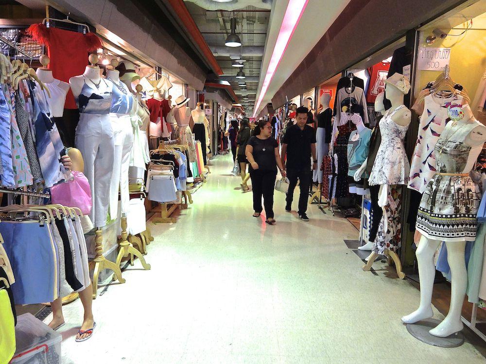 how to get to platinum shopping mall bangkok