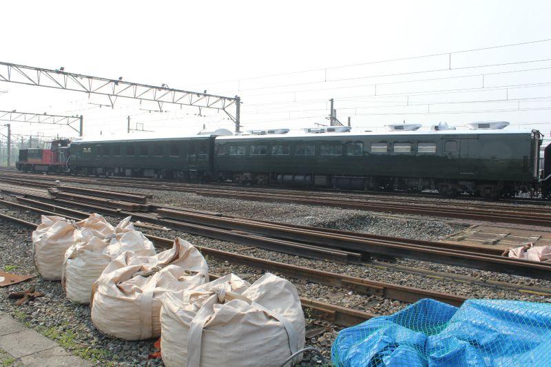 image:トワイライトエクスプレス、京都鉄道博物館へ! 搬入作業を開始 - 写真46枚