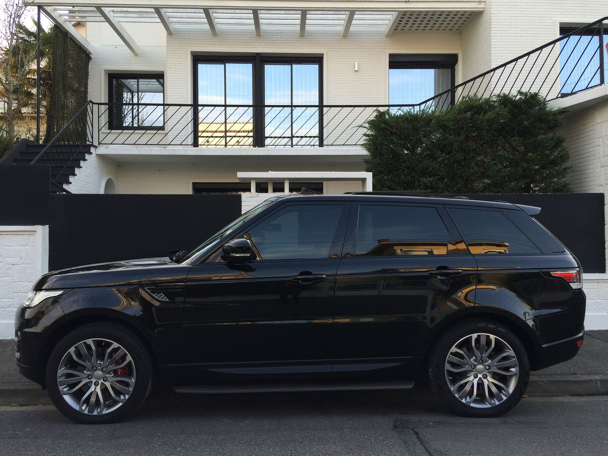image range rover sport range rovers and driveways. Black Bedroom Furniture Sets. Home Design Ideas