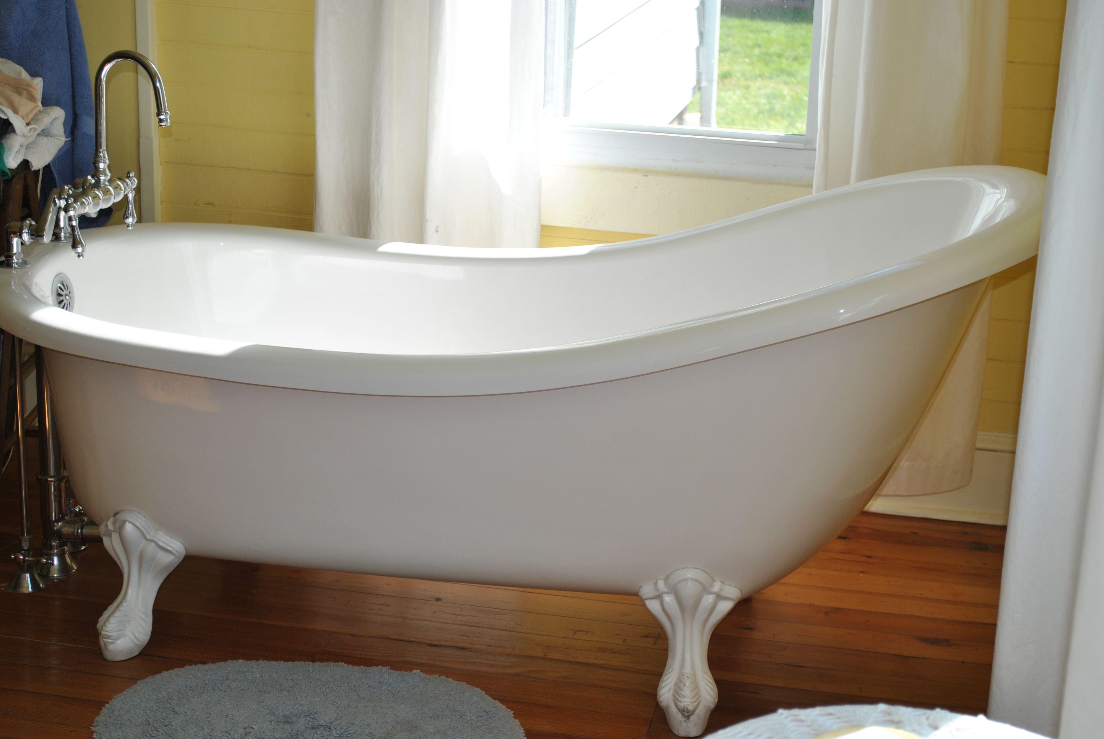 Clawfoot tub, 5 1/2 ft in length. | Bathrooms | Pinterest | Tubs ...