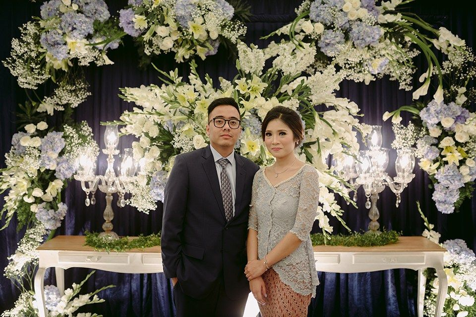 Lamaran cantik di kota bandung bunga pinterest bandung dusty lamaran cantik di kota bandung bandungdusty bluewedding decorationswedding junglespirit