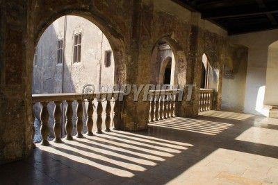 medieval-castle-interior-balcony-image.jpg (400×267) | Medieval au ...