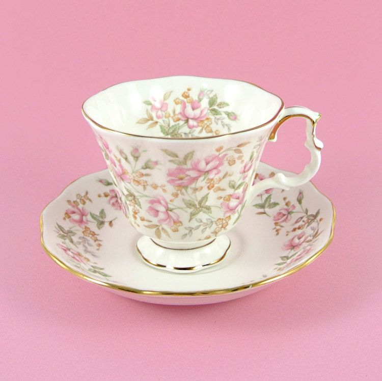 vintage royal albert tea cup and saucer pink brocade rose chintz bone china england 1980s. Black Bedroom Furniture Sets. Home Design Ideas