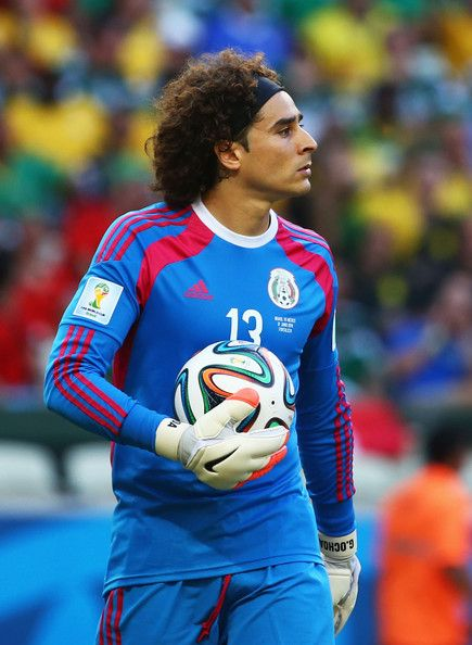 Guillermo Ochoa Photos - Brazil v Mexico  Group A - Zimbio c3966500a
