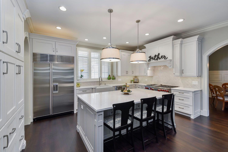 Naperville White Kitchen Quartz Grey Island Sebring