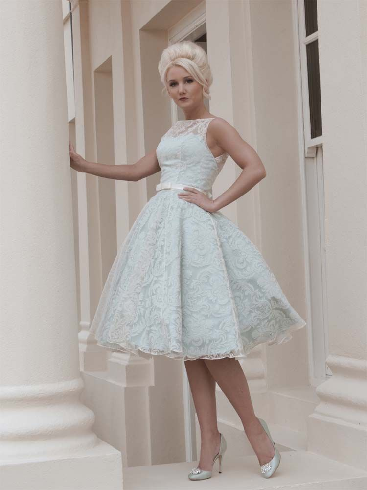 #Sale #WeddingDress #HouseOfMooshki #Elle #www.prudencegowns.com/sale/