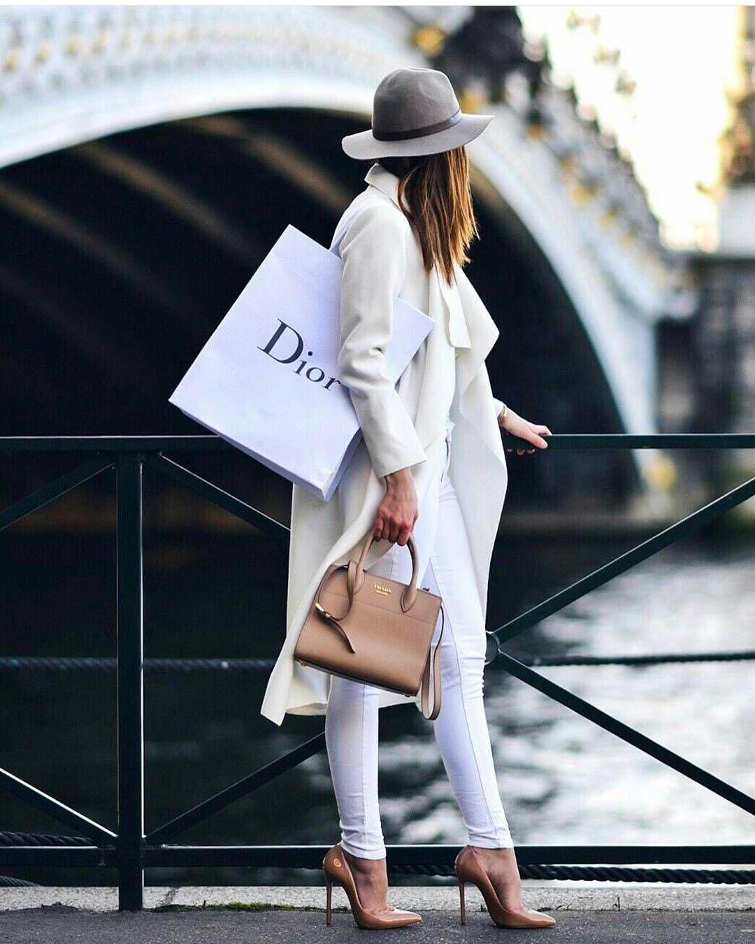 """Páči sa mi to: 7,567, komentáre: 38 – @street_style_paris na Instagrame: """"@world_fashion_styles😻 ◽Chek out our bio◽"""""""